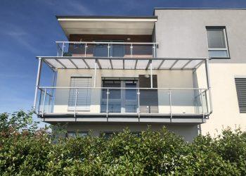 zasklenie-balkonov-okmont
